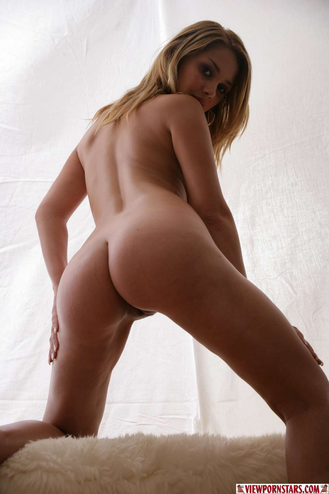 Over pictures and free samples at viewpornstars